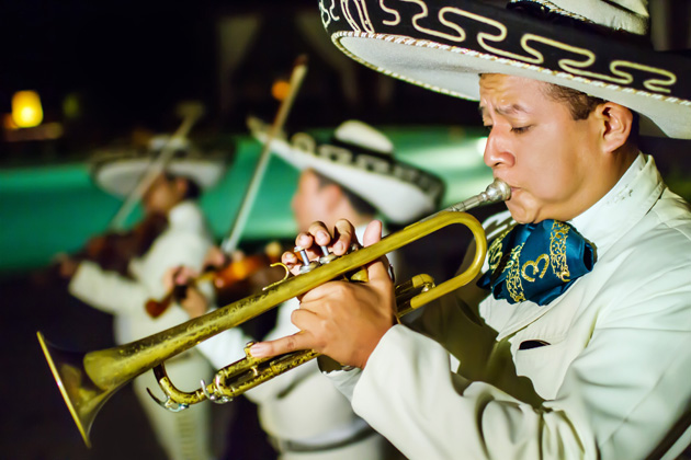 20formal-destination-wedding-riviera-maya-mexico-gaia-photo-studio-mariachi-band